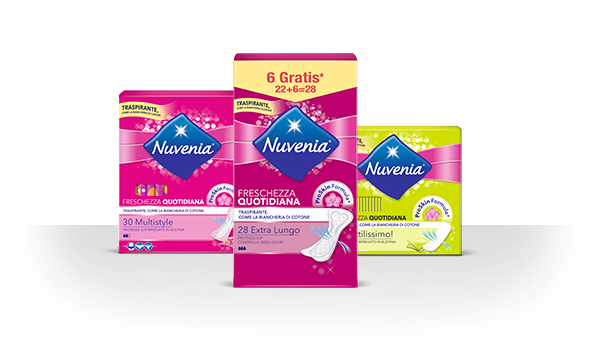 Tre prodotti per uso quotidiano con relativa ombra su sfondo fucsia – Nuvenia